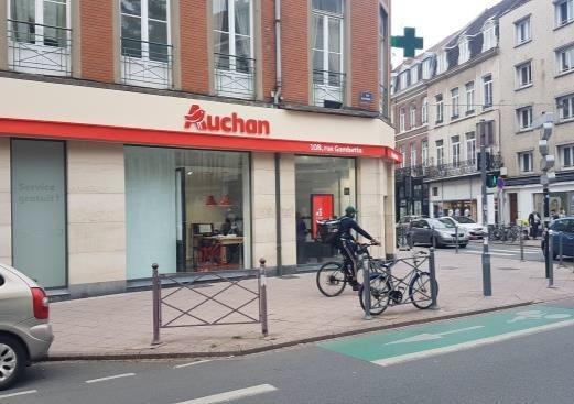 Auchan prévoit la création de 600 emplois environ par la création de 300 drives piéton en 2021. Photo : Auchan Retail.