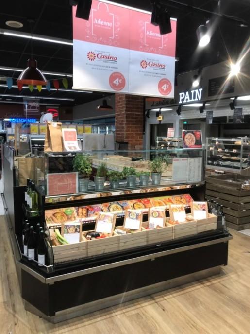 Julienne a installé un corner au supermarché Casino de Maisons-Alfort (94). Il est implanté dans la zone marché, près de la boulangerie.