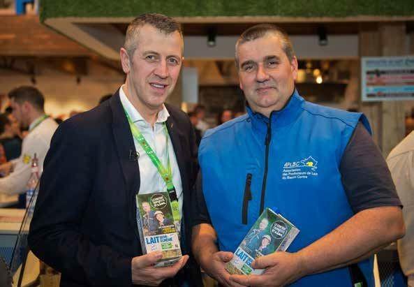 Michel Biero, directeur exécutif achats et marketing de Lidl France et Henry Ragon, président de l'Association des producteurs de lait du Bassin Centre (APLBC).