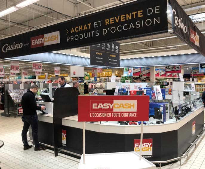 Le premier corner Easy Cash installé chez Géant Casino, à Pessac (33).