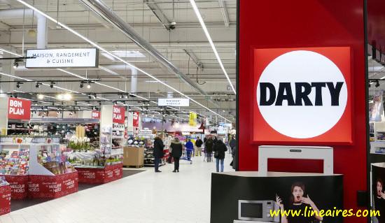 Un rayon Darty dans un hypermarché Carrefour