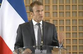 Macron : le travail du dimanche, il ne faut pas en faire un mythe