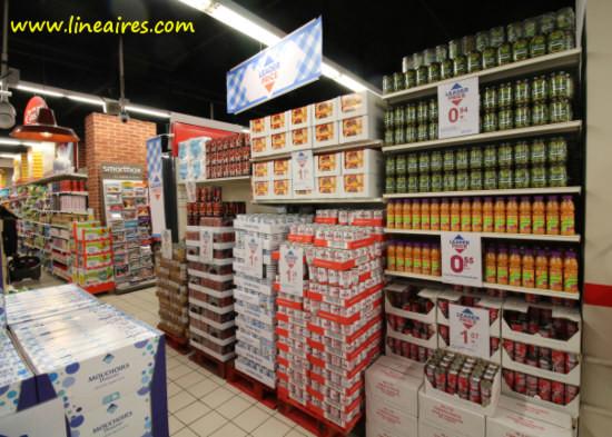 Des produits Leader Price dans un supermarché Casino