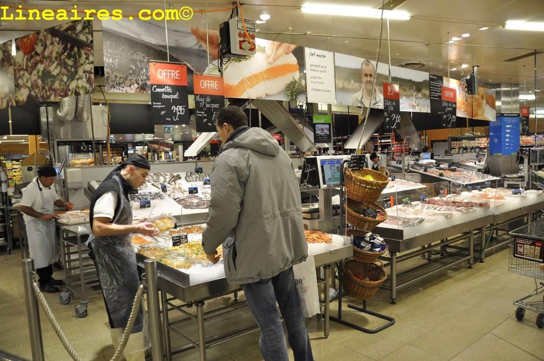 La poissonnerie au cœur du magasin