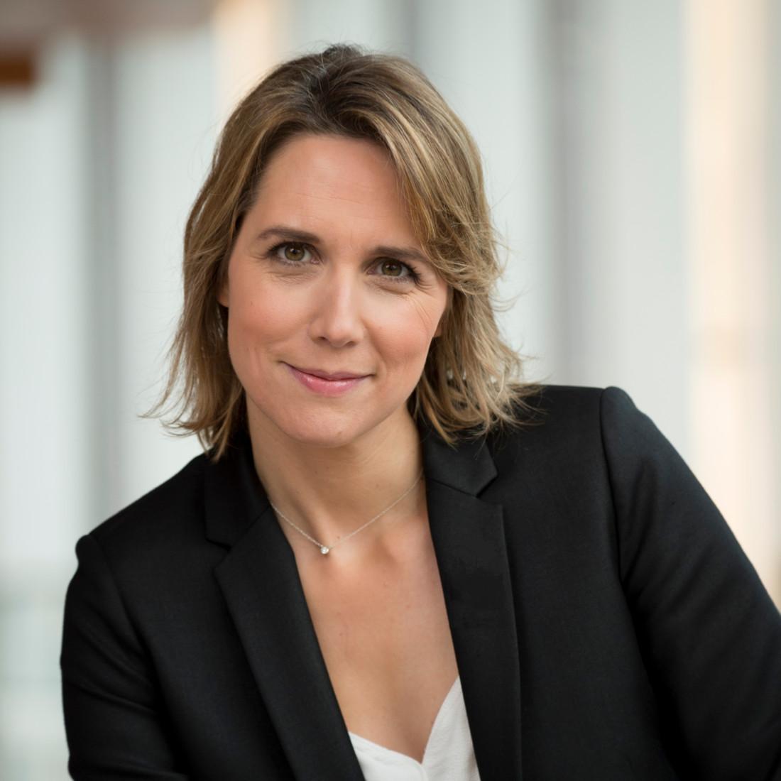 Marie Cheval, directrice exécutive des hypers et des services financiers pour Carrefour