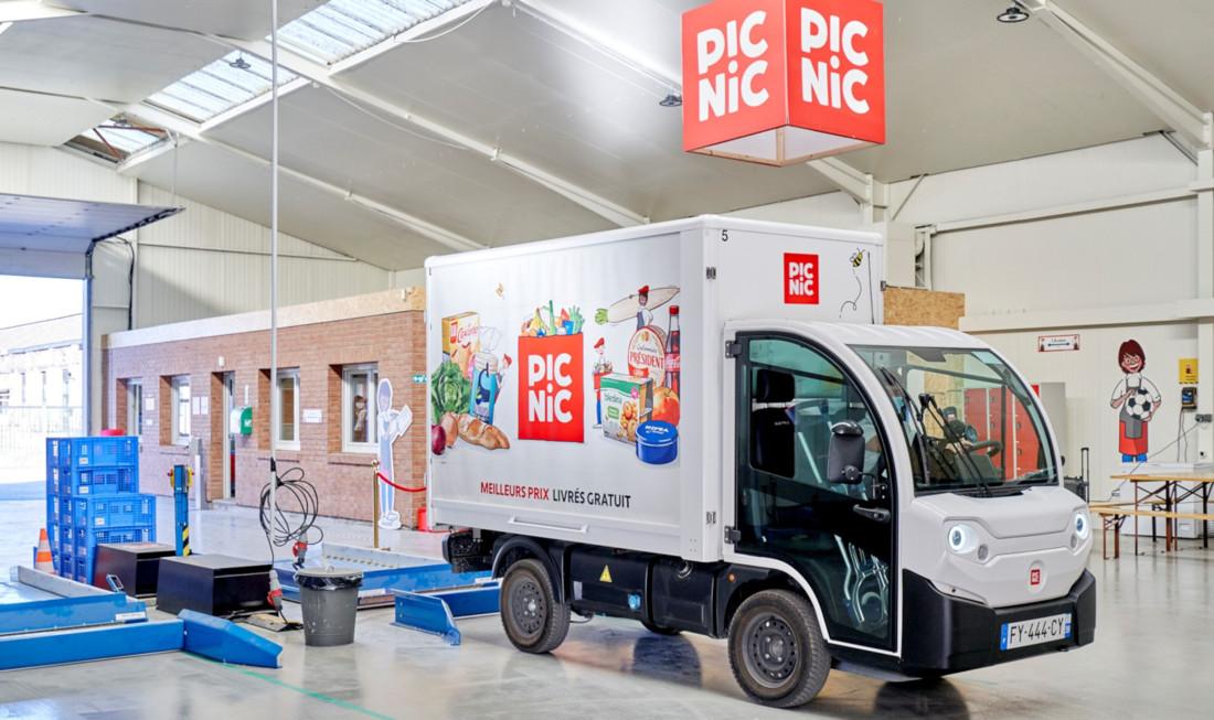 Une camionnette électrique Picnic dans le hub de Valenciennes