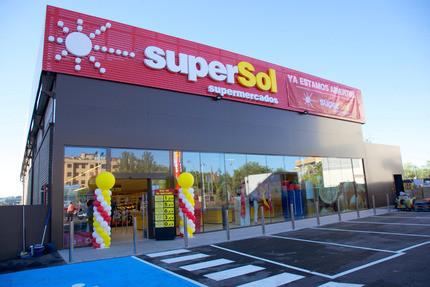 Carrefour s'offre 172 magasins en Espagne